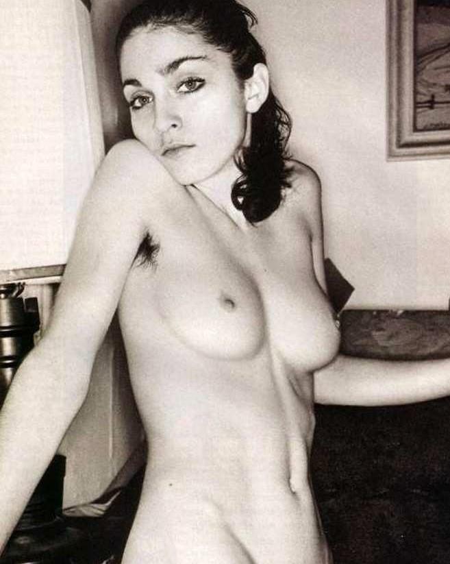 Madonna nue seins nus noir et blanc