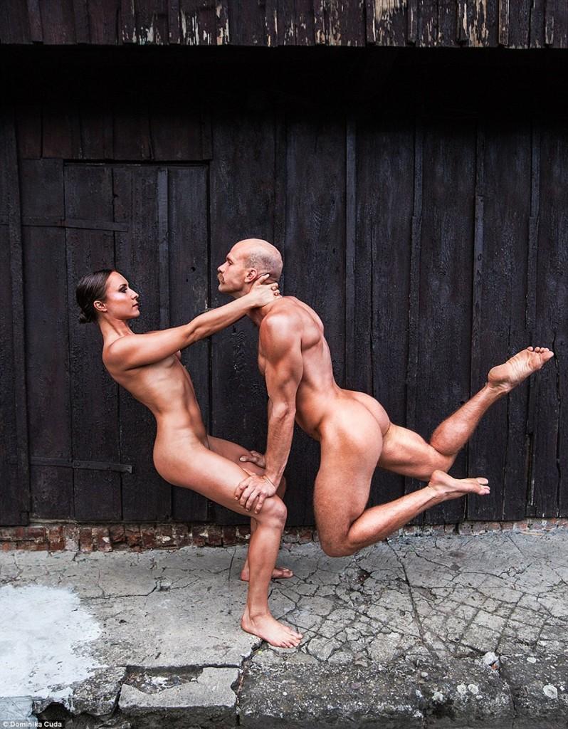 femme et homme sportifs nus