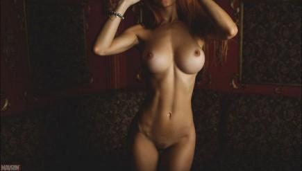 Photos nues de filles seins nus